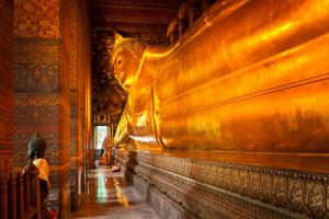 glittering bangkok reclining buddha
