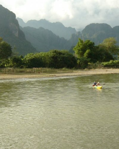 sa-laos-vangvieng-kayaking2-102008