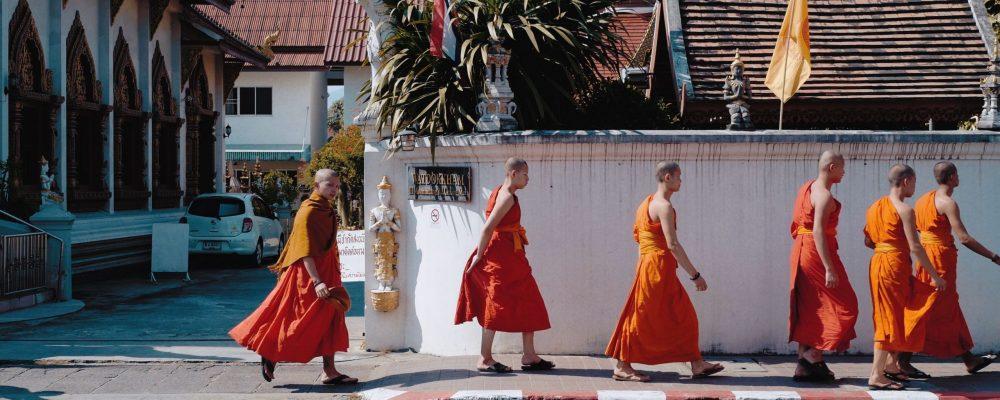 thailand-chiang mai-monks-billow-926-Gm5MyPc2P6I-unsplash