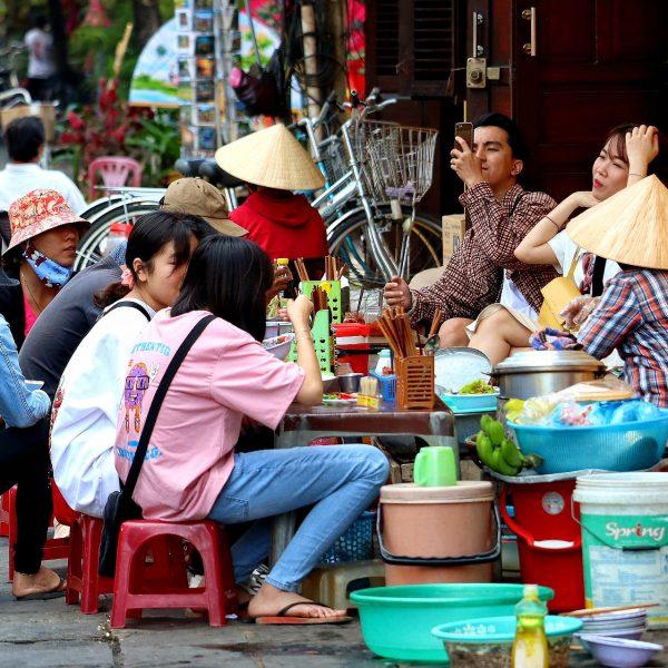 vietnam-4943816_1920-pixabay stree dining